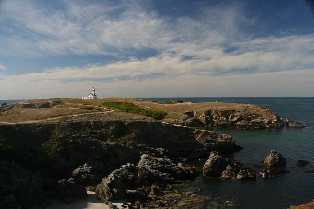 La Pointe et le phare des Poulains
