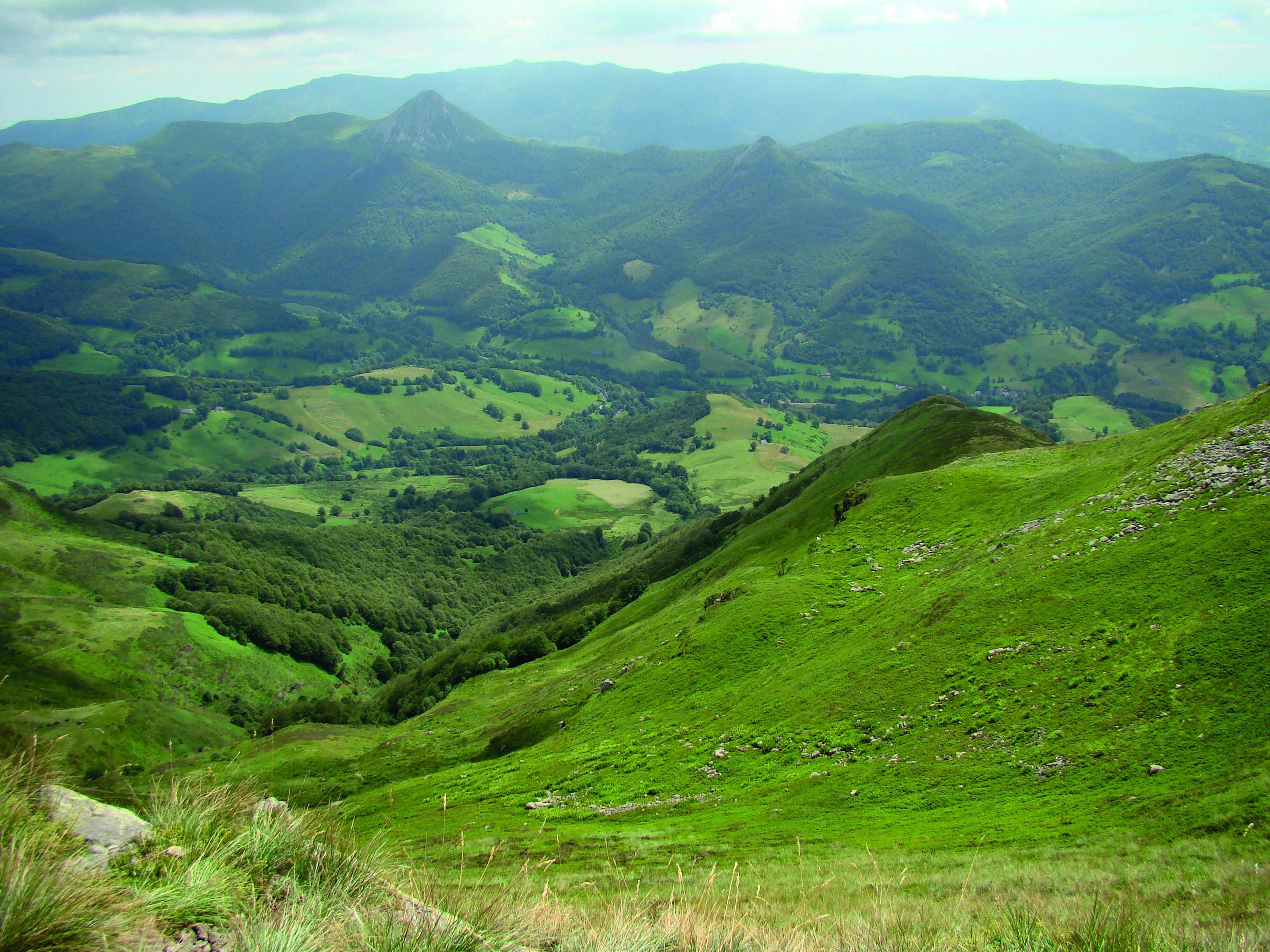 vallée de la Cere.jpg